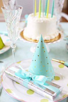 Cute Birthday Party Ideas - Top tips to jazz up a store-bought cake, add in color, and party favors too!