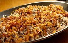 Mjadra: arroz com lentilha e cebola - Receitas - GNT