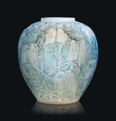 Lalique PERRUCHES VASE, NO. 876