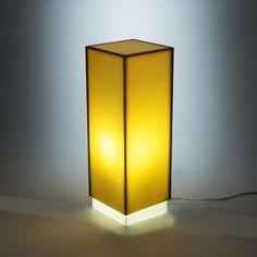Condom brown - Lampada da comodino o da tavolo dal design moderno in plexiglass colorato #design #designtrasparente #plexiglass #lampade