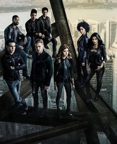 All the wlw ships of Shadowhunters in one place. Also a safe space for wlw Shadowhunters fans. Shadowhunters Malec, Shadowhunters The Mortal Instruments, Clace, Isabelle Lightwood, Alec Lightwood, Shadow Hunters Cast, Clary Und Jace, Constantin Film, Matthew Daddario