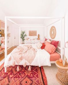 50 Make Your Bedroom More Romantic with These Romantic Bedroom Decorations Wohnen im Boho-Stil Room Makeover, Interior Design, Romantic Bedroom Decor, House Rooms, Bedroom Makeover, Bedroom Design, Home Decor, Room Inspiration, Apartment Decor