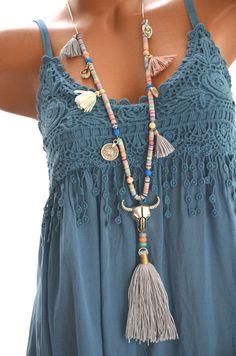 Indianerschmuck BÜFFEL Boho Ibiza HIPPIE KETTE Bommel GRAU BUNT Stierkopf NEU in Uhren & Schmuck, Modeschmuck, Halsketten & Anhänger | eBay