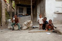 Children eager to have their picture taken in Montellano  http://www.makariosinternational.org