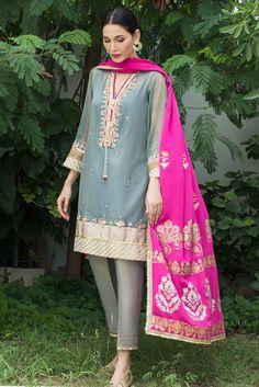 Pakistani Fashion Party Wear, Pakistani Wedding Outfits, Indian Fashion Dresses, Indian Designer Outfits, Bridal Outfits, Eid Outfits, Beautiful Pakistani Dresses, Pakistani Formal Dresses, Pakistani Dress Design