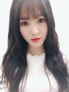 V-Buddy # Ngẫu nhiên # amreading # books # wattpad Kpop Girl Groups, Korean Girl Groups, Kpop Girls, Gfriend Yuju, Gfriend Sowon, K Pop, Solo Photo, Absolutely Gorgeous, Beautiful
