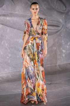 Naeem Khan Spring 2020 Ready-to-Wear Fashion Show - Naeem Khan Spring 2020 Ready-to-Wear Fashion Show – Vogue The Effective Pictures We Offer You Abo - Haute Couture Gowns, Haute Couture Style, Couture Mode, Couture Fashion, Fashion 2020, Runway Fashion, Spring Fashion, Vogue Fashion, Woman Fashion