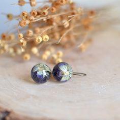 Orecchini fiore di viola del pensiero, regalo gioielli resina sotto 40, romantica gioielli, Orecchini floreali