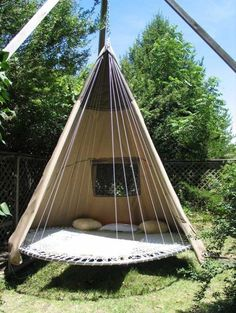 Wow...love this! What a neat idea to fins another use for a trampoline. ~~~~~ Green Renaissance – Trampoline Tent | Yurts And Things