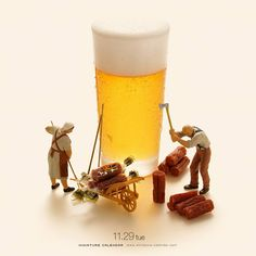 Labor is the best snacks! Zen Wallpaper, Miniature Calendar, Grandeur Nature, Miniature Photography, Tiny World, Mini Things, Human Art, People Art, Creative Photography