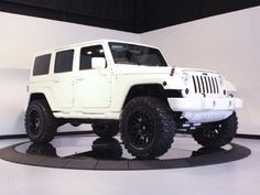Bright White Jeep Wrangler Unlimited Sahara 4x4.  Gonna buy this as soon as i win the lottery!