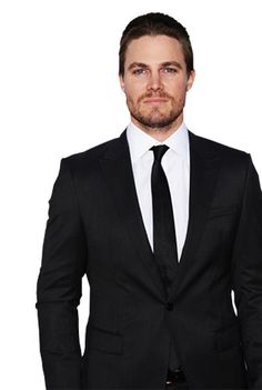 22. Stephen Amell BORN:   May 8, 1981 (age 32) Toronto, Ontario, Canada HEIGHT: 6′ 1″ (1.85 m) SPOUSE: Cassandra Jean After adding an extra layer of hotness to already sexed-up shows like Dante's Cove and Hung, Amell hit the bullseye playing the brooding and often shirtless vigilante in Arrow. No one does salmon ladder pullups like Oliver Queen!