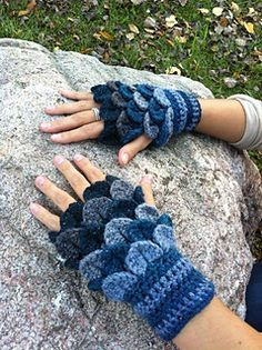 Crochet Crocodile Stitch Fingerless Gloves Pattern on Ravelry