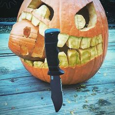 SOG Pumpkin Challenge! ⠀ Win a 100.00 SOG gift-card! Post a photo and use #SOGpumpkin in the description! Ends Oct. 31. ⠀ Fan #regram of @mike.s.jr #sogknives #takepoint