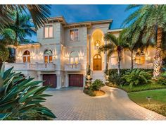 Exterior of luxury home in Longboat Key, Florida