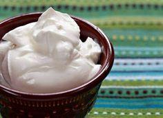 """Para quem não conhece, o Sour Cream é um creme azedo bastante utilizado na culinária americana, principalmente na culinária Tex-Mex, que mistura sabores do Texas e México. O """"Sour Crea…"""