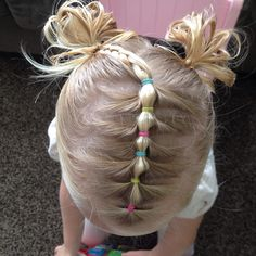 """84 curtidas, 11 comentários - ○kira○Hairstyles For Girls○ (@totsandtangles) no Instagram: """"Inspired by @toddlerhairideas Instead of straight lines I tried zig zag parts on the sides but I'm…"""""""