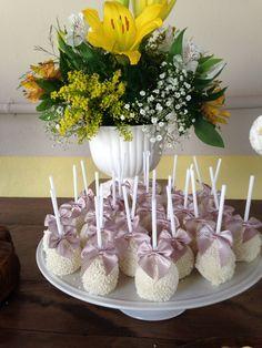 Cake pops de batizado