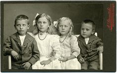 CDV Portrait of four siblings - Germany - c.1910 |