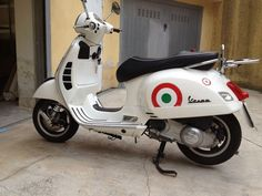 Modern Vespa : GTS300 Malossi V4Head+282cc+Carbon (My Panda) lots of photos