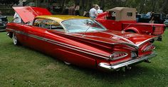 The top is nicely chopped, no small feat with all that glass. 1959 Chevy Impala, Chevrolet Chevelle, Chevy Jokes, Custom Camaro, Sweet Cars, Us Cars, Car Photos, Vintage Cars, Vintage Metal