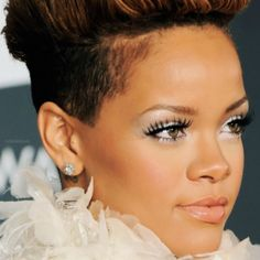 love the makeup! Beauty Makeup, Hair Makeup, Hair Beauty, Def Jam Recordings, Rihanna Fenty, Black Girls Rock, Celebs, Celebrities, Record Producer