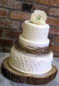 Wedding cake wedding cakes photos - search our wedding photos gallery for t Round Wedding Cakes, Wedding Cake Photos, Fall Wedding Cakes, Wedding Cake Rustic, Wedding Cupcakes, Chic Wedding, Wedding Ideas, Wedding Planning, Wedding Beach