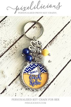 Commemorate the cheer season with a personalized gift. This unique keychain, whether for a coach or cheerleader, can be used for keys or it could be attached to a purse or bag. Click through to see the details! Cheer Coach Gifts, Cheer Gifts, Team Gifts, Cheer Bags, Best Friend Gifts, Gifts For Friends, Customized Gifts, Personalized Gifts, Handmade Gifts