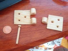 how to make wood pivot   My First Attemp At A Wooden Hinge