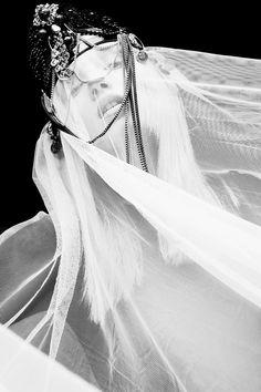 Credits  Concept/Photography – Dilia Oviedo  Styling – Ana Sting  Hair & Make Up – Lara Tascon & Lucie Gardiner-Worship  Models – Lauren Auerbach @ UNO Barcelona & Ann Müürsepp @ Miah Management  Special Thanks: Shoot 115 – Estudio Fotográfico
