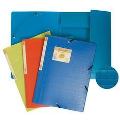 CARPETA 3 SOLAPAS FOREVER. Carpeta de gomas con 3 solapas color azul, verde o naranja. Fabricada en polipropileno reciclado de 700 micras. Etiquetas en el lomo.