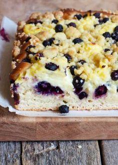 Enkel ostekake på glass - Mat På Bordet Feta, Banana Bread, Cereal, Oatmeal, Baking, Breakfast, Desserts, The Oatmeal, Morning Coffee