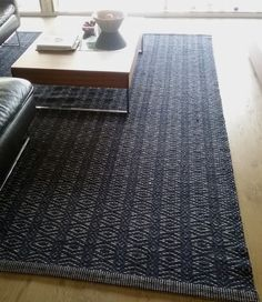 . Modern Minimalist, Home Furnishings, Projects To Try, Weaving, Rag Rugs, Carpets, Fabric, Inspiration, Design
