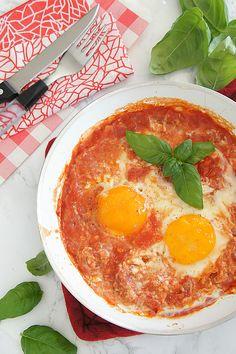 #Uova al #pomodoro alla #Toscana - Poached Eggs in Tomato Sauce