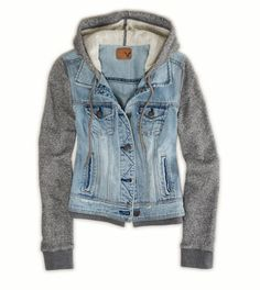This is such a staple piece for Fall clothing items. You get the denim look plus the comfort of a sweatshirt! Sweatshirt and denim jacket Looks Style, Looks Cool, Mode Outfits, Fashion Outfits, Womens Fashion, Fashion For Teens, Fall Outfits, Fashion 2016, School Outfits