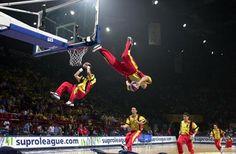 Basketteurs sur trampoline - Dunk