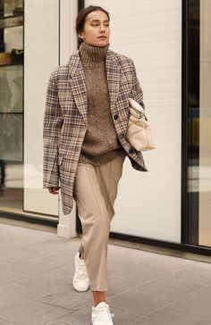 Minimal Fashion, Trendy Fashion, Womens Fashion, Minimal Style, Winter Outfits, Casual Outfits, Fashion Outfits, Beige Style, Plaid Coat