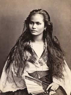 """A mestiza de sangley in a photograph by Francisco Van Camp, c. """"Mestiza de Sangley"""", was the Spanish colonists term for """"mixed Chinese & Indigenous Filipino"""" if referring to a mixed-race person of sangley <Chinese>and indio <local> mix Native American Beauty, Native American History, Native American Indians, American Girl, Native American Photos, American Pride, Sioux, Lily Elsie, Native Indian"""