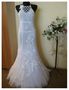 White Crochet Wedding Dress.  Oh how I wish I could crochet this.