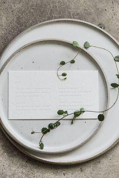 Chic minimalist tabl