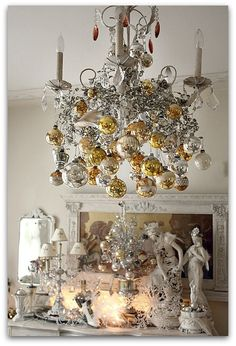silver and gold Christmas chandelier decor Noel Christmas, All Things Christmas, Winter Christmas, Vintage Christmas, Christmas Crafts, Christmas Ornaments, Christmas Balls, Hanging Ornaments, Christmas Lights