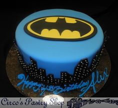 Southern Blue Celebrations: BATMAN - Cakes, Cupcakes, and Cookies