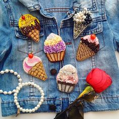 Автор @ptaschka1107 〰〰〰〰〰〰〰〰〰〰〰〰〰〰 По всем вопросам обращайтесь к авторам изделий!!! #ручнаяработа #брошьизбисера #брошьручнойработы #вышивкабисером #мастер #бисер #handmade_prostor #handmadejewelry #brooch #beads #crystal