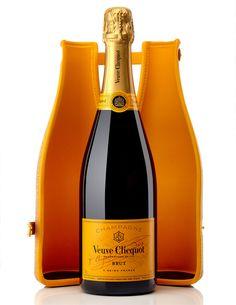 Clicquot Cork Ice Jacket : l'étui à champagne indispensable de l'été.