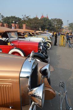 (© Claus Mueller) http://www.classicmotourist.blogspot.de/2015/02/21-gun-salute-rally-new-delhi.html