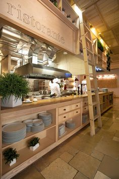 Expediting line: FIORI restaurant by YOD Design Lab, via Behance Cafe Restaurant, Open Kitchen Restaurant, Restaurant Concept, Italian Restaurant Decor, Food Court Design, Design Food, Restaurant Interior Design, Retail Interior, Design Studio