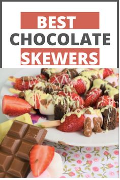 Best Chocolate Skewers for Valentine's Day! Valentine Day skewers/ Chocolate Skewers #ValentineDayRecipes #ChocolateSkewersforValentineDay #SkewersforValentine Day #DessertSkewers #DessertSkewersRecipe #ChocolateRecipesForValentineDay #BestChocolateSkewers Dessert Skewers, Fruit Skewers, Valentines Day Chocolates, Valentine Treats, Delicious Desserts, Dessert Recipes, Yummy Food, Skewer Recipes, Valentine's Day