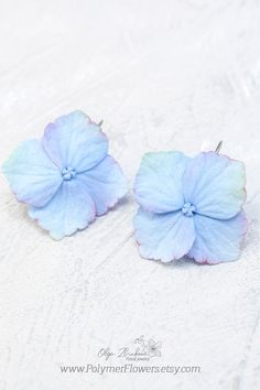 SPRING Flowers April Showers Pink Lilac Blue Green White Plastic Craft Charms