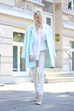 44 The Best Pastel Coat Outfit Ideas For The Winter Of This Year - Fashionmoe Spring Summer Fashion, Winter Fashion, Ohh Couture, Coats For Women, Clothes For Women, Models Off Duty, Office Fashion, Winter Wardrobe, Get Dressed