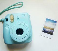 Fujifilm instax mini 8💙💙💙 #fujifilm #instax #hemanederland #foto Polaroid Instax, Polaroid Cameras, Fujifilm Instax Mini 8, Polaroids, Types Of Cameras, Vsco, Random Stuff, Electronics, Photography